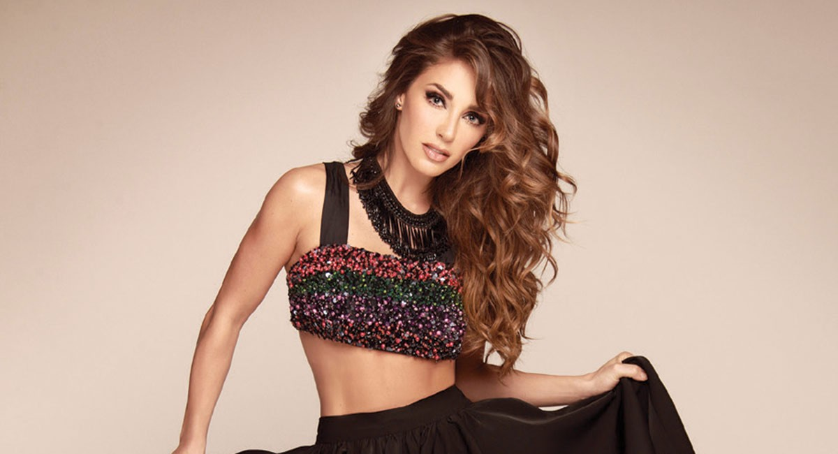 http://2017.versionfinal.com.ve/wp-content/uploads/2017/09/anahi-versionfinal.jpeg